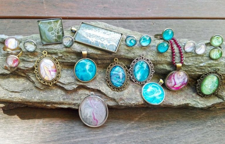 Turn your Acrylic Pouring Skins into Cabochon Jewellery
