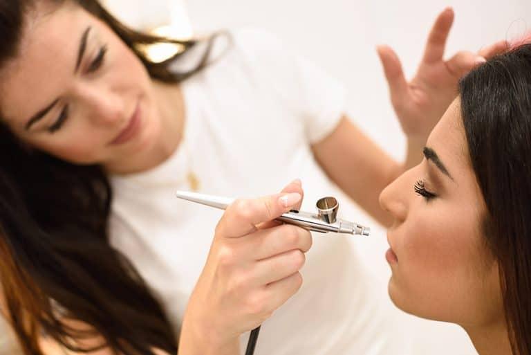Airbrush Make Up Set im Test – So kreierst du eine makellose Haut