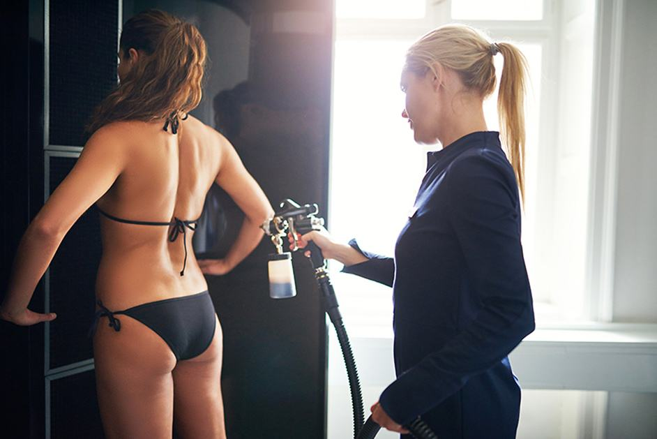 Best Spray Tan Machine – Guide to Spray Tanning Kits