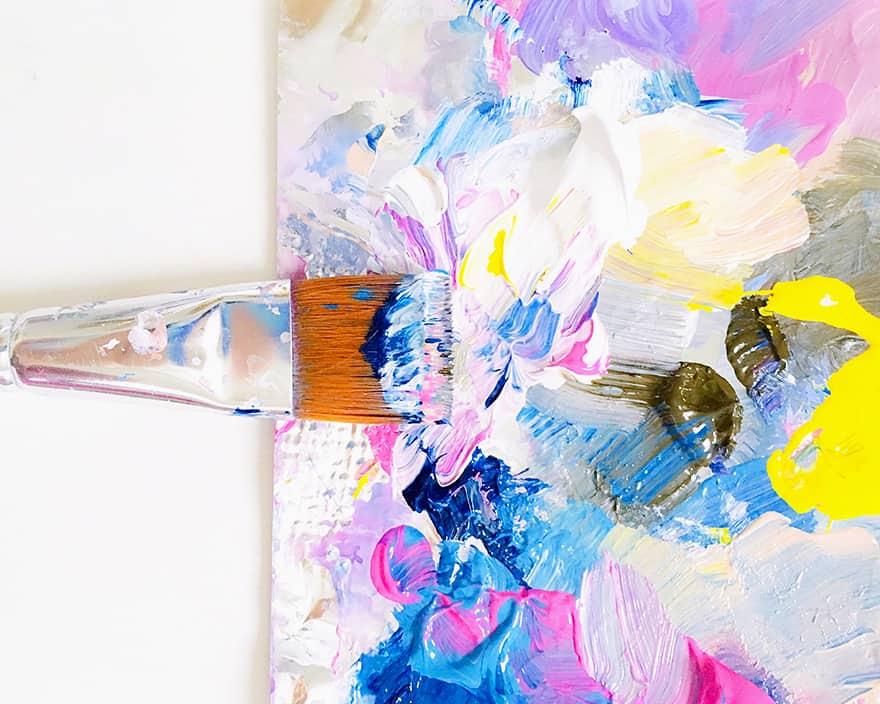 what is paint medium