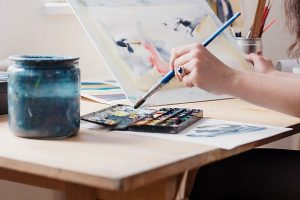 can you use watercolor on canvas